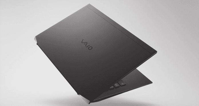 Das neue Vaio Z ist ein Laptop, welcher aus Kohlefasern besteht und somit unter einem Kilogram wiegt.